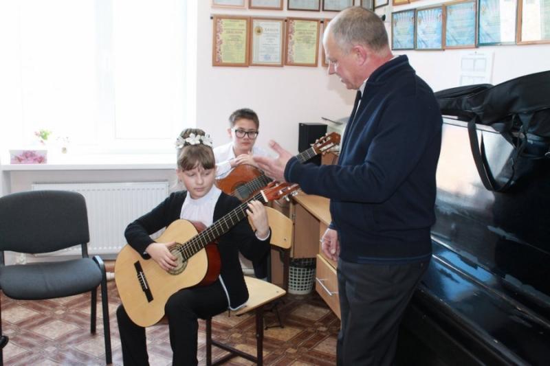 В Мостовской детской школе искусств в рамках нацпроекта «Культура» появятся новые музыкальные инструменты